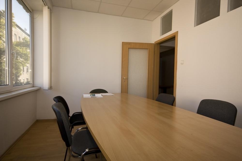 Kiadó iroda