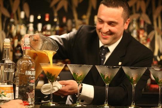 Bartender állás hajón